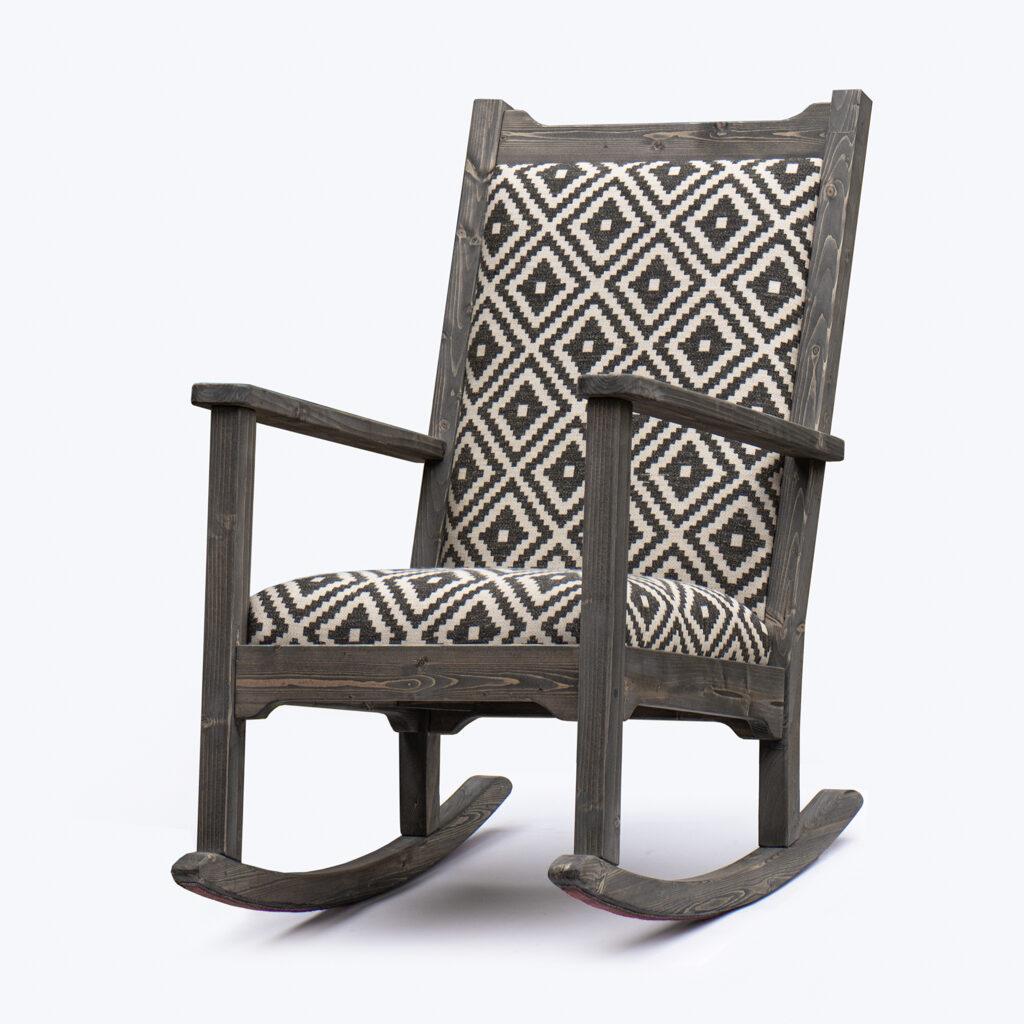 Puidust kiiktool pehme istekoha ja seljatoega